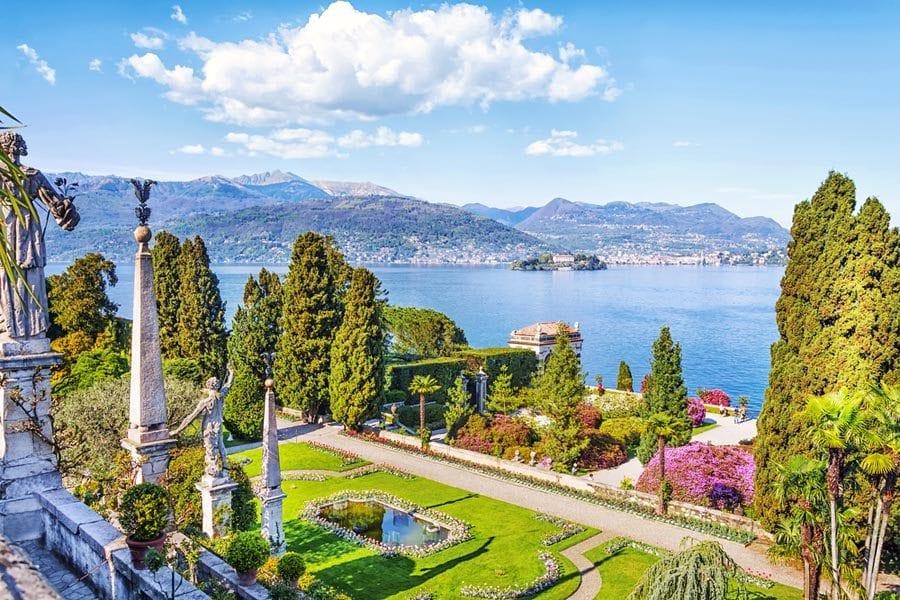 Ferie i piemonte stolt vinregion i italien for Lago store genova