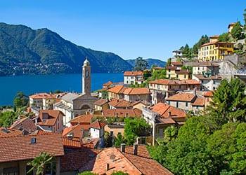 By ved Como søen